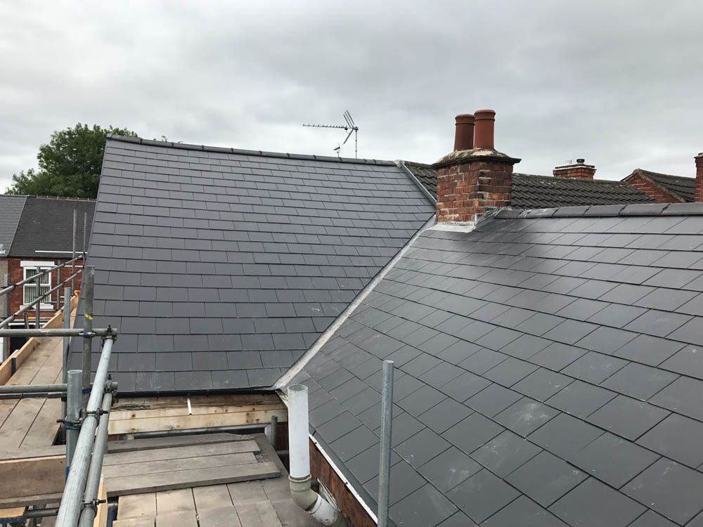 Flat Roofing Worksop / Standard Roofing Worksop - Roofing Repairs and Roofers / Tiles / Guttering